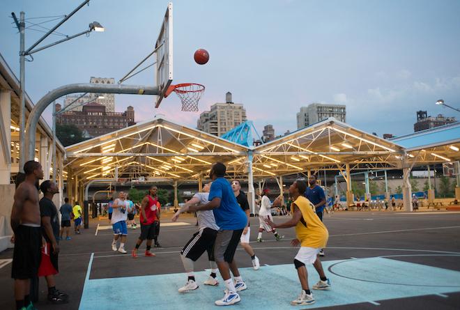 Recreation & Leisure; brooklyn bridge; brooklyn bridge park; brooklyn bridge park sports; Landmarks: General: Park; Landmarks: General: Waterfront; Recreation & Leisure: Outdoors: Athletic field; Recreation & Leisure: Outdoors: Parks; Sports; Sunset[; basketball