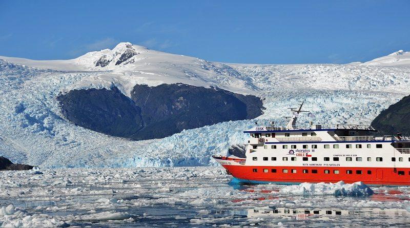 Incredibile esperienza di una crociera tra vulcani e ghiacciai del Cile