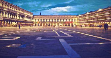 Rispetto per Venezia e per Piazza San Marco: basta con le super navi e i venditori ambulanti