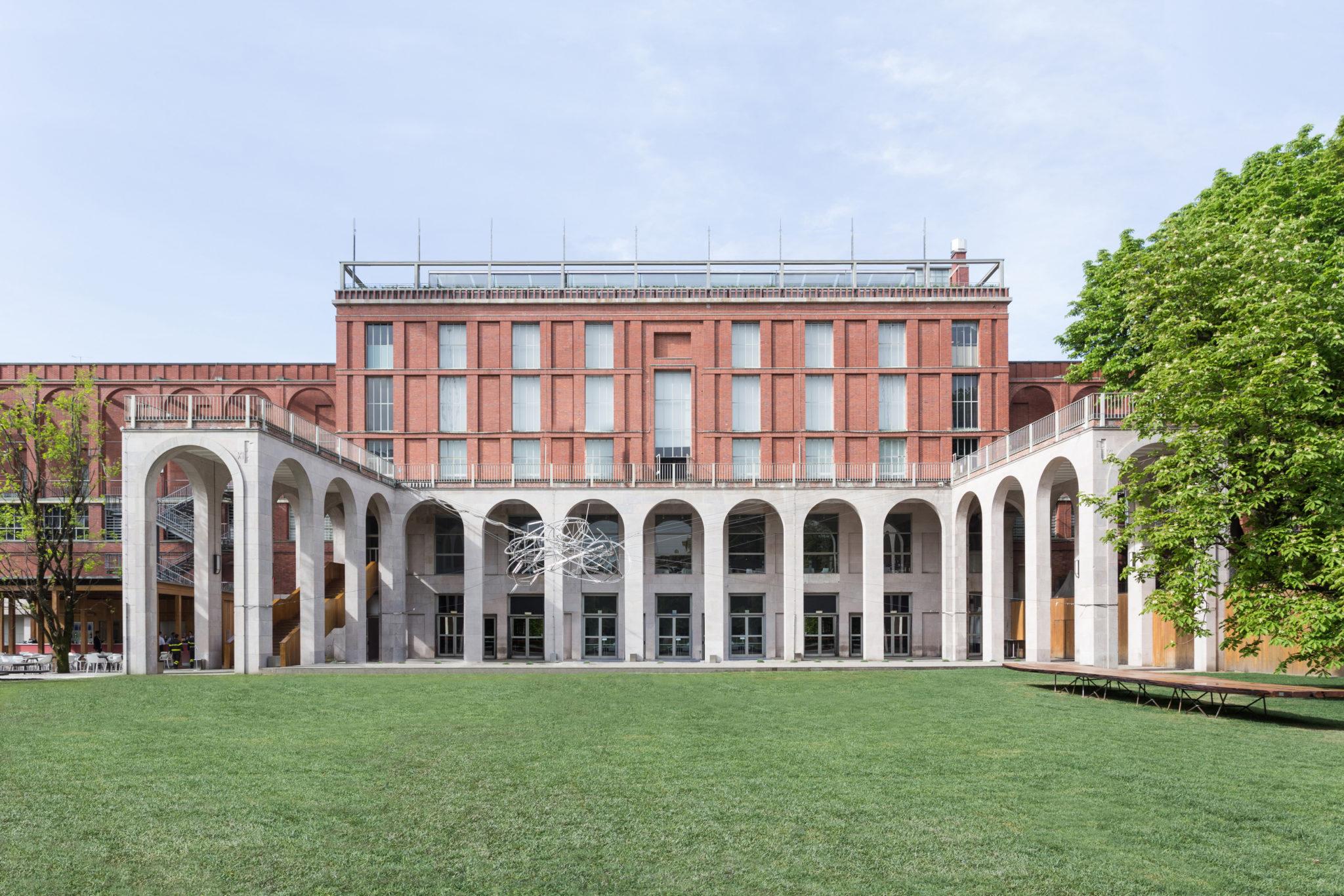 Milano fra design e simbolismo weekend premium for Design di milano