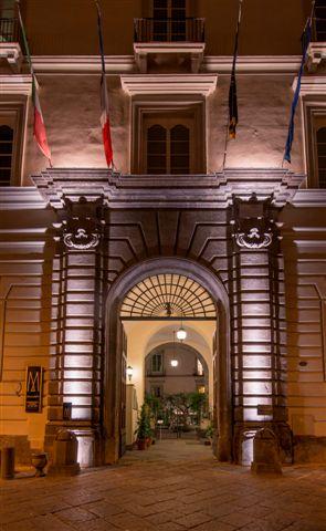 ingresso-sera-palazzo-caracciolo-napoli