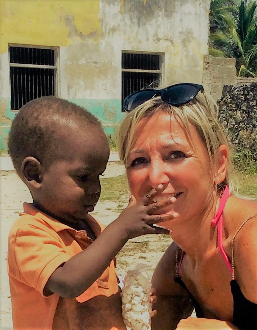 Zanzibar - primi contatti con i bambini della scuola