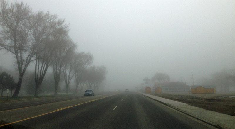 Come guidare con la nebbia