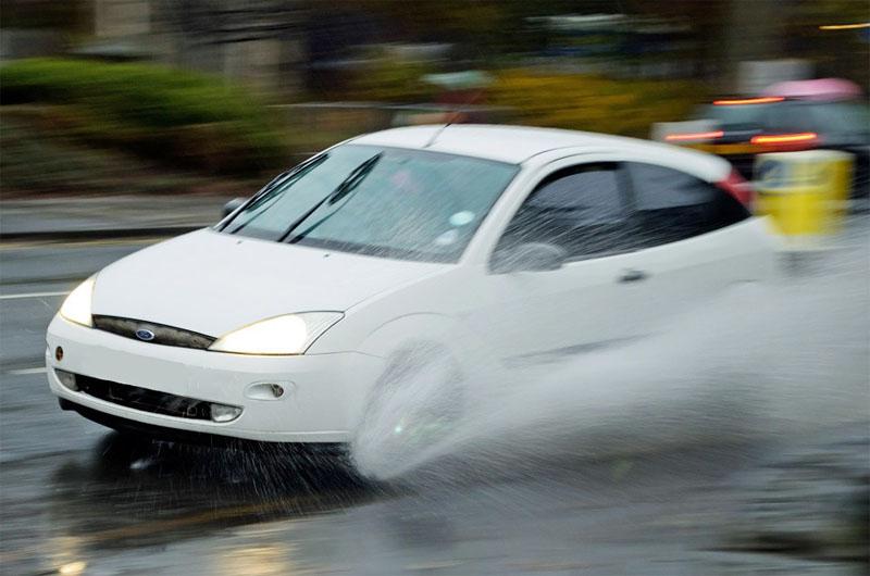 Guidare con la pioggia