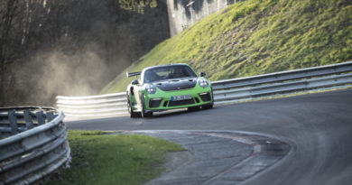Record Porsche al Nürburgring: spaziale 911 GT3 RS