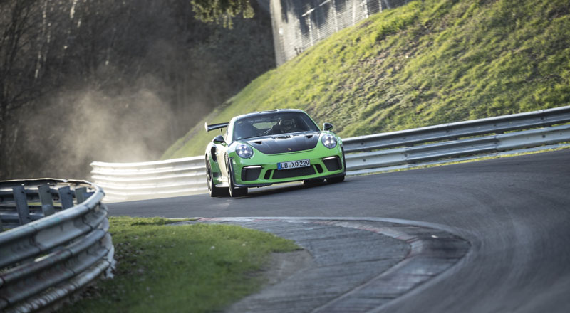 Record Porsche al Nürburgring