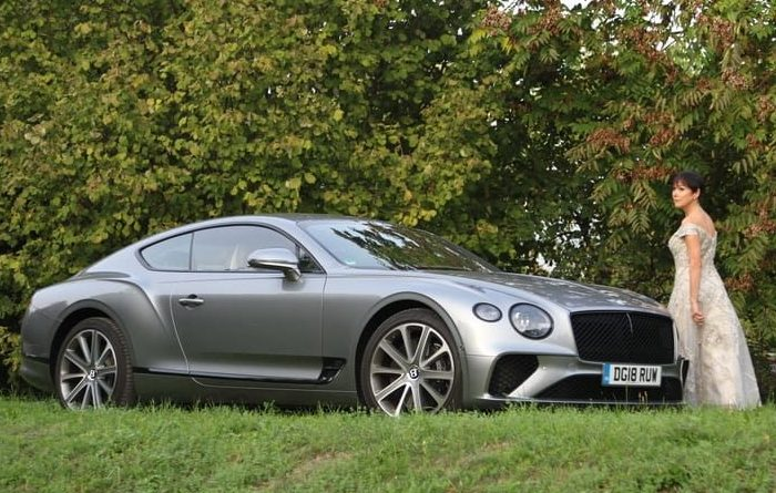 Bentley Continental GT e donna