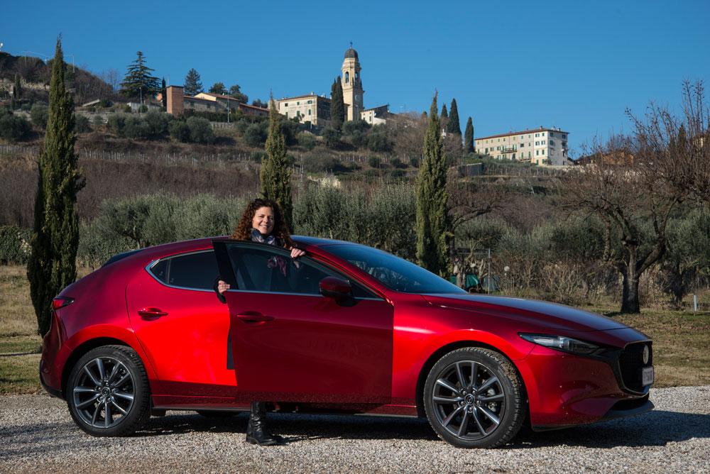 Mazda 3 esterni
