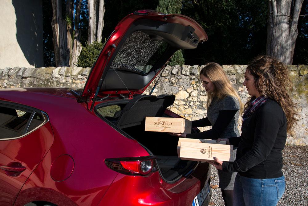 Mazda 3 bagagliaio