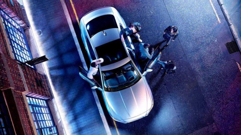 jaguar XE dall'alto