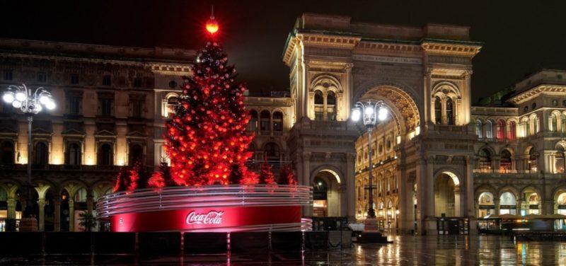 A Milano 21 alberi di Natale