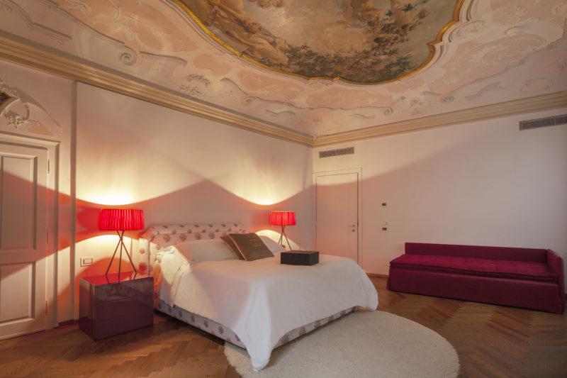 Suite con affreschi hotel Corte di Gabriela