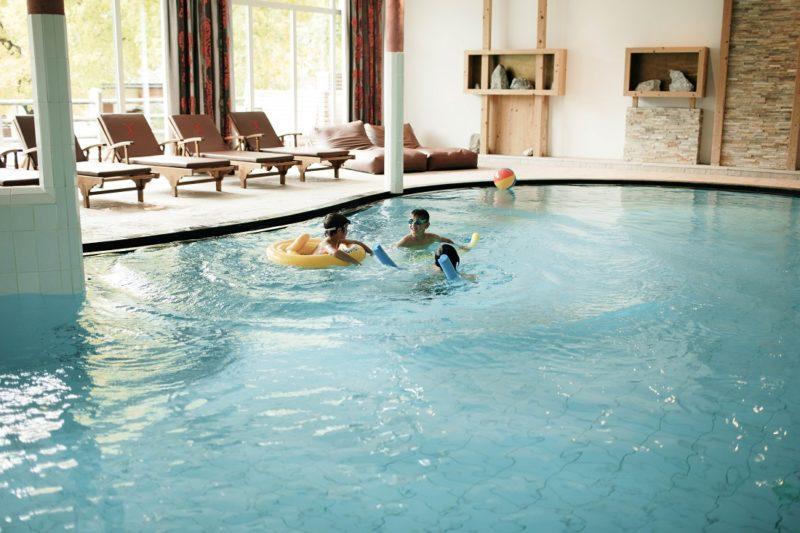 piscina riscaldata excelsior dolomites per bambini