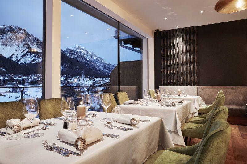 ristorante su neve Excelsior dolomites