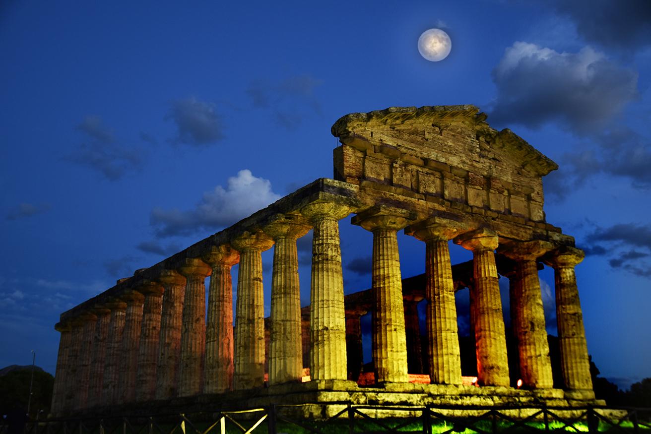 200 monete appaiono a Paestum