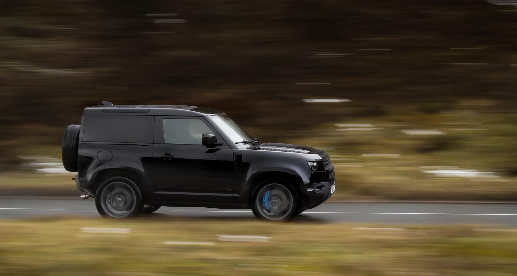 Land-Rover-Defender-Profilo