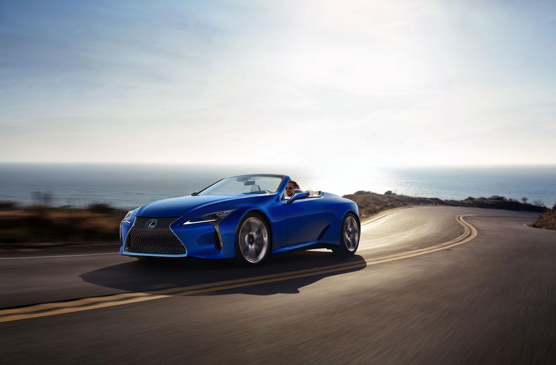 migliori auto cabrio: Lexus LC 500 Convertible anteriore