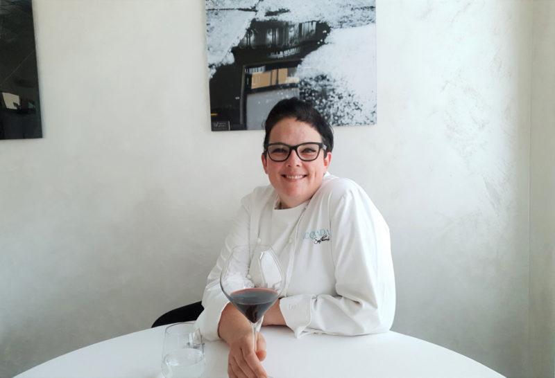 Acquada-chef-Sara-Preceruti-nel-suo-ristorante