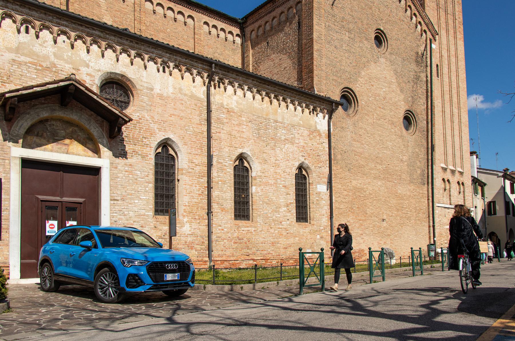 Audi-Q3-Ibrida-Chiesa-San-Francesco_Treviso
