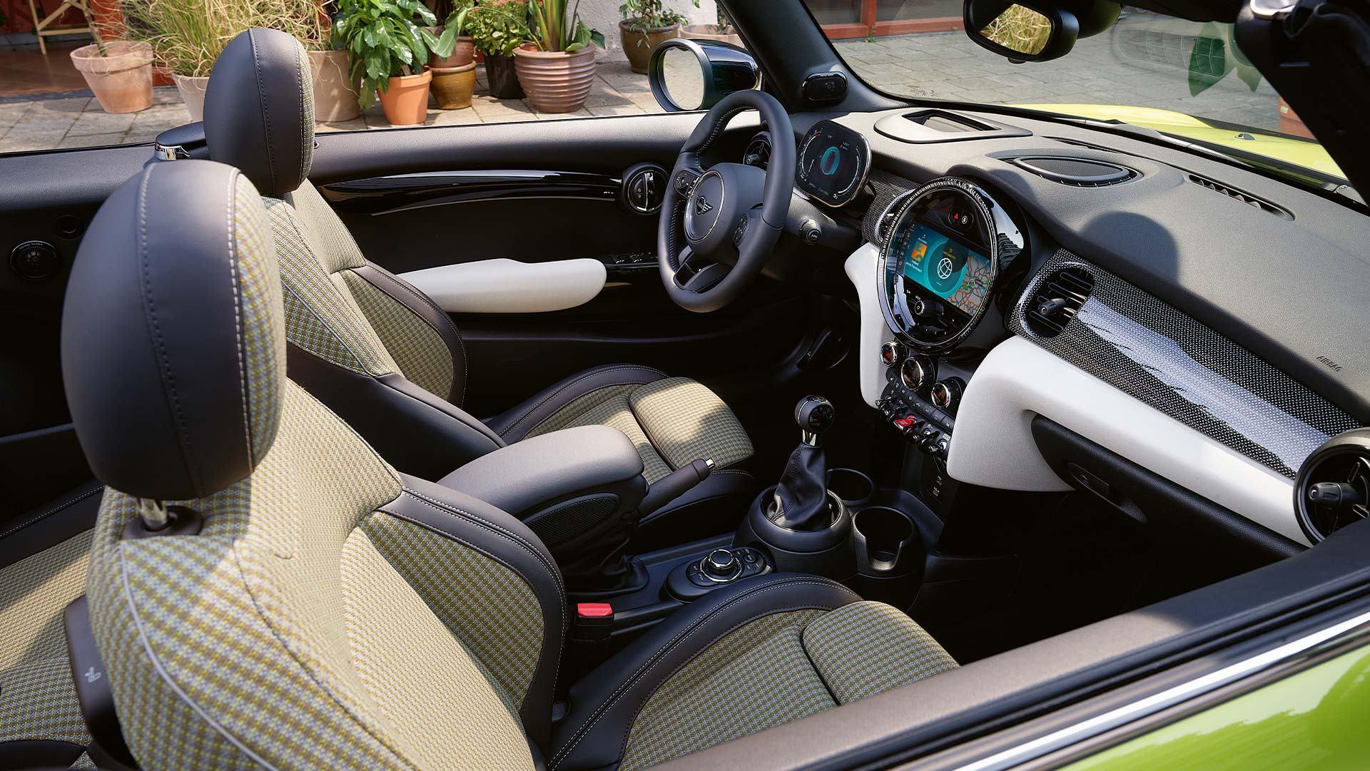 migliori auto cabrio: mini cabrio interni