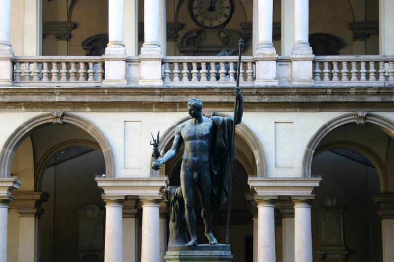 Canova_-_Napoleone_Bonaparte_-_Milano_Cortile_del_Palazzo_di_Brera